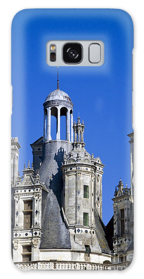 Chambord Chateau France Chateaus Castle Castles Structure Structures Architecture Galaxy S8 Case featuring the photograph Chambord Chateau by Bob Phillips
