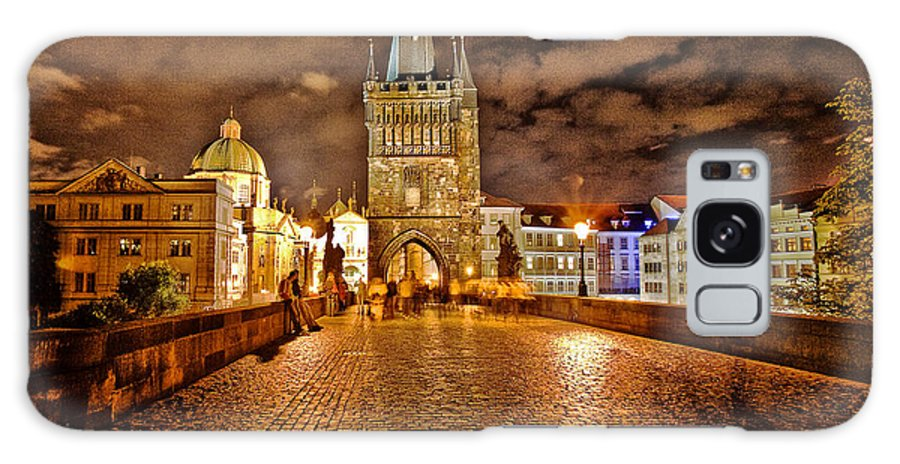 Charles Bridge Galaxy S8 Case featuring the photograph Charles Bridge At Night by Madeline Ellis