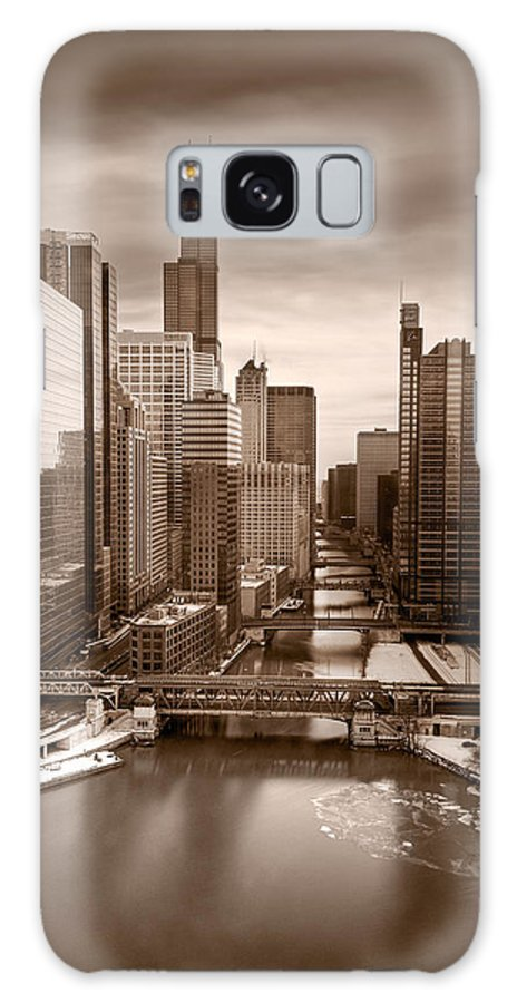 Train Galaxy S8 Case featuring the photograph Chicago City View Afternoon B And W by Steve Gadomski