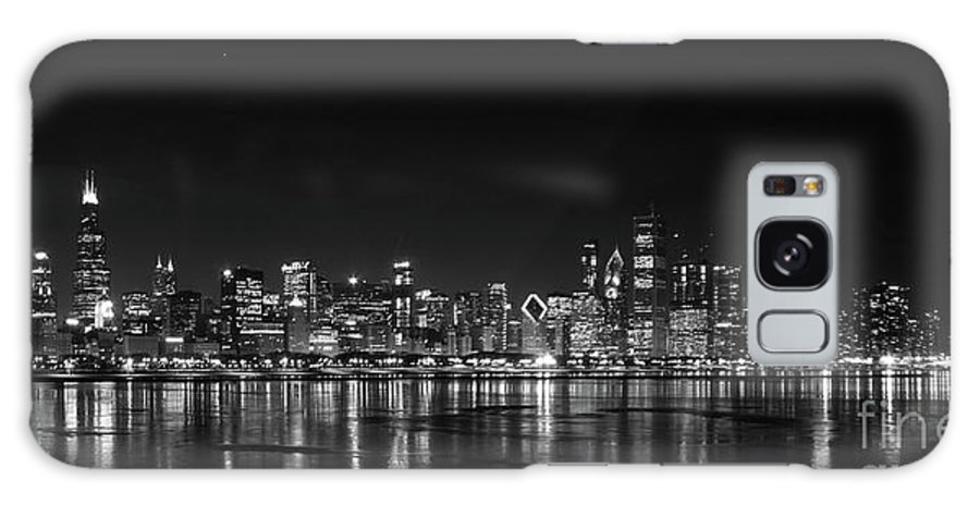 Chicago Illinois Galaxy S8 Case featuring the photograph Chicago January by David Bearden