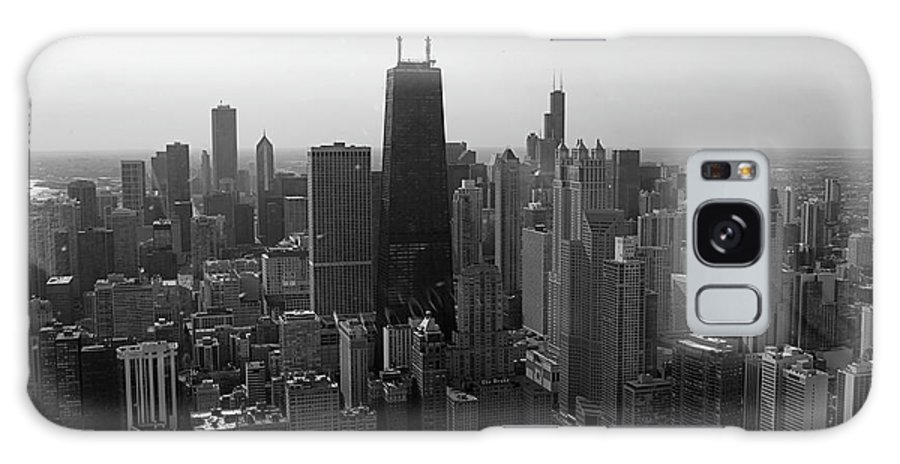 Black And White Galaxy S8 Case featuring the photograph Chicago Looking South 01 Black And White by Thomas Woolworth