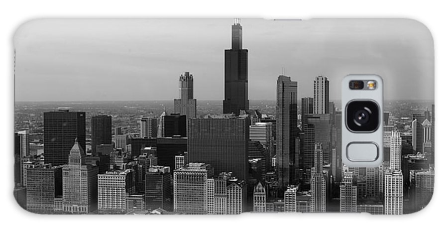 Black And White Galaxy S8 Case featuring the photograph Chicago Looking West 01 Black And White by Thomas Woolworth