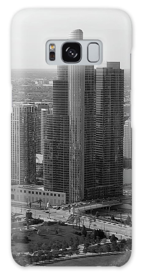 Black And White Galaxy S8 Case featuring the photograph Chicago Modern Skyscraper Black And White by Thomas Woolworth
