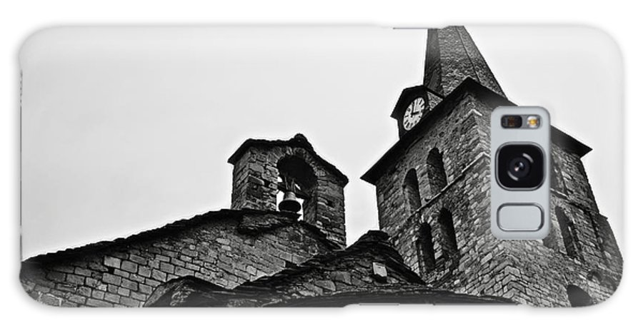 Abse Galaxy S8 Case featuring the photograph Church Of The Assumption Of Mary In Bossost - Abse And Tower Bw by RicardMN Photography