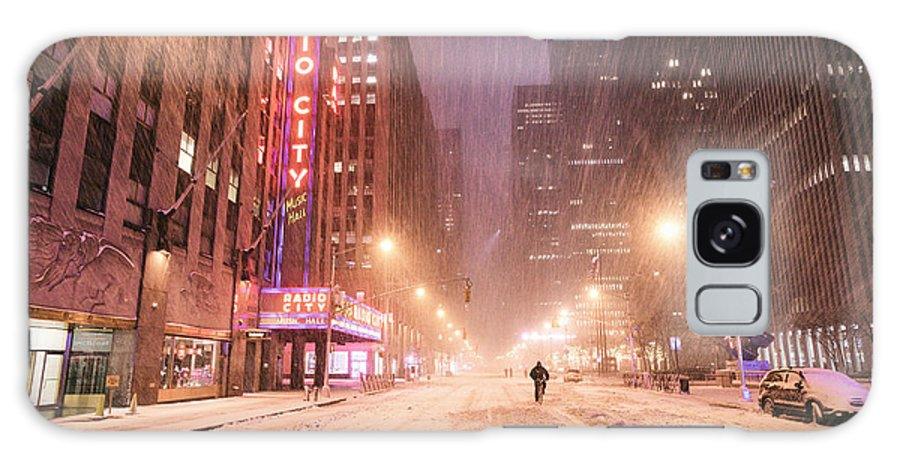 New York City Galaxy S8 Case featuring the photograph City Night In The Snow - New York City by Vivienne Gucwa