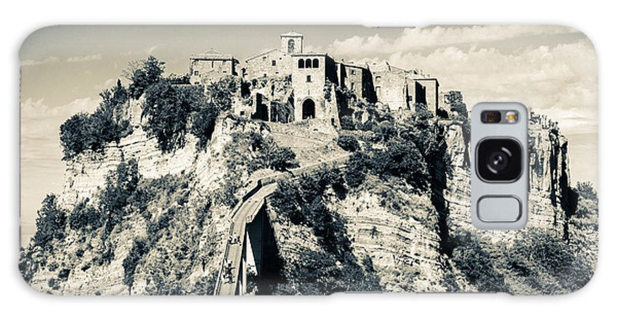 12 Century Galaxy S8 Case featuring the photograph Civita Di Bagnoregio Tuscany On Plateau Of Friable Volcanic Tuff by Peter Noyce