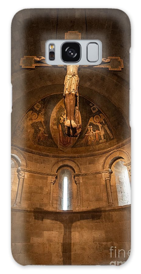 Cloisters Galaxy S8 Case featuring the photograph Cloisters Crucifixion by Ray Warren