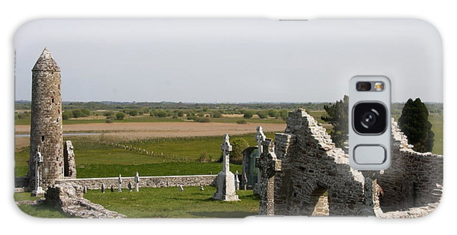 Clonmacnoise Galaxy S8 Case featuring the photograph Clonmacnoise - Ireland by Christiane Schulze Art And Photography
