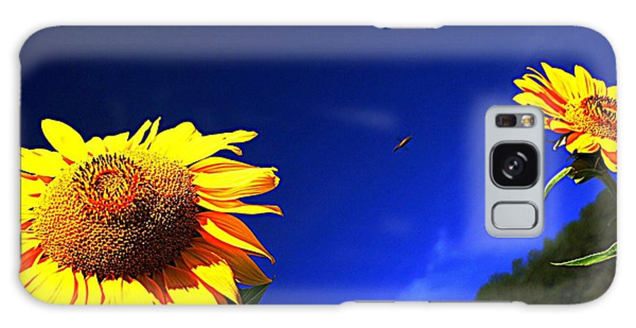 Sunflowers Galaxy S8 Case featuring the photograph Coming Soon by Gluca Pagnini