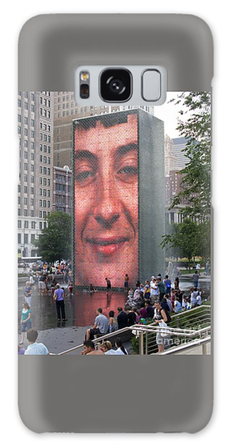 Chicago Galaxy S8 Case featuring the photograph Crowd Watching by Ann Horn