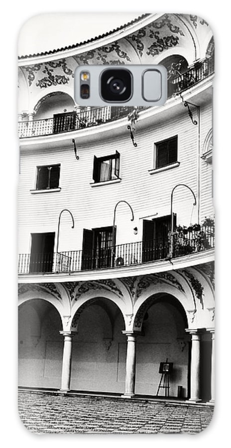 Monochrome Seville Spain Old Vintage Buildings Old Architecture Travel In Spain Galaxy S8 Case featuring the photograph Curved Seville Spain Courtyard by Angela Bonilla