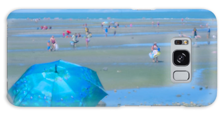 Beach Scene Galaxy S8 Case featuring the photograph Day At The Beach by Diane Smith