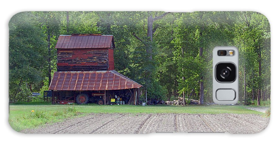 Tobacco Barn Galaxy S8 Case featuring the photograph Days Gone By--tobacco Barn Series by Suzanne Gaff
