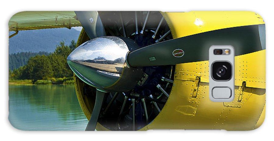 De Havilland Beaver Galaxy S8 Case featuring the photograph de havilland Beaver by Ross G Strachan
