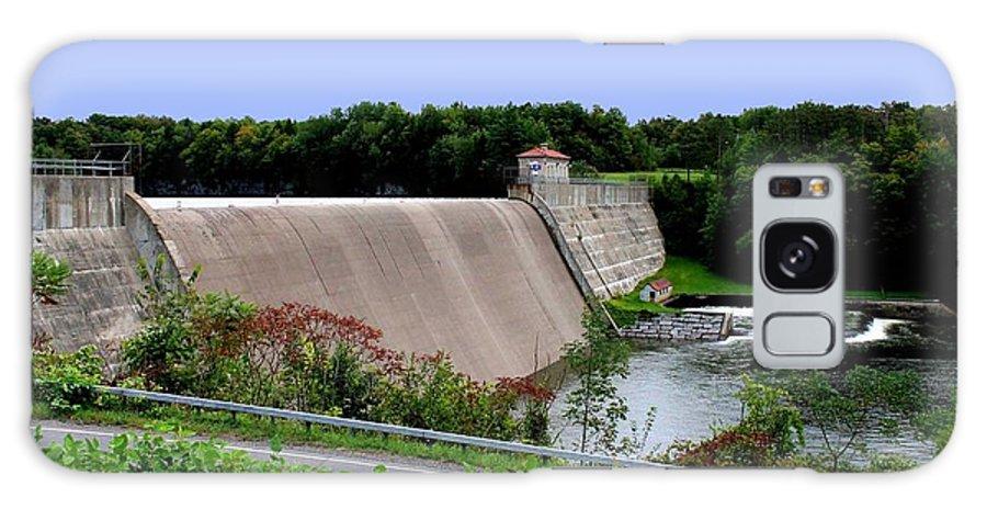 Dam Galaxy S8 Case featuring the photograph Delta Dam by Frank Salvaggio
