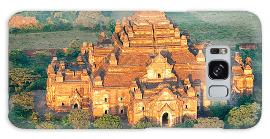 Air Galaxy S8 Case featuring the photograph Dhammayangyi Temple - Bagan by Luciano Mortula