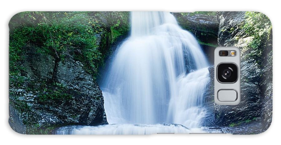 Waterfall Galaxy S8 Case featuring the photograph Dingmans Ferry Falls by Lucy Raos