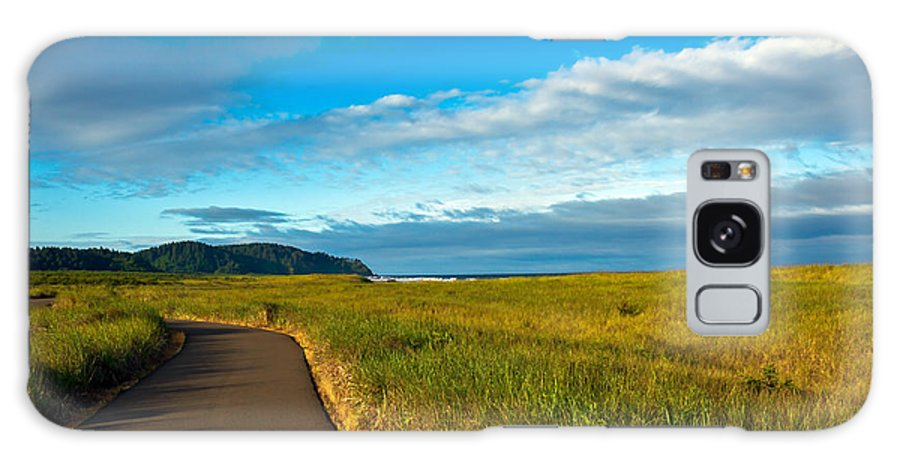Pacific Ocean Galaxy S8 Case featuring the photograph Discovery Trail by Robert Bales