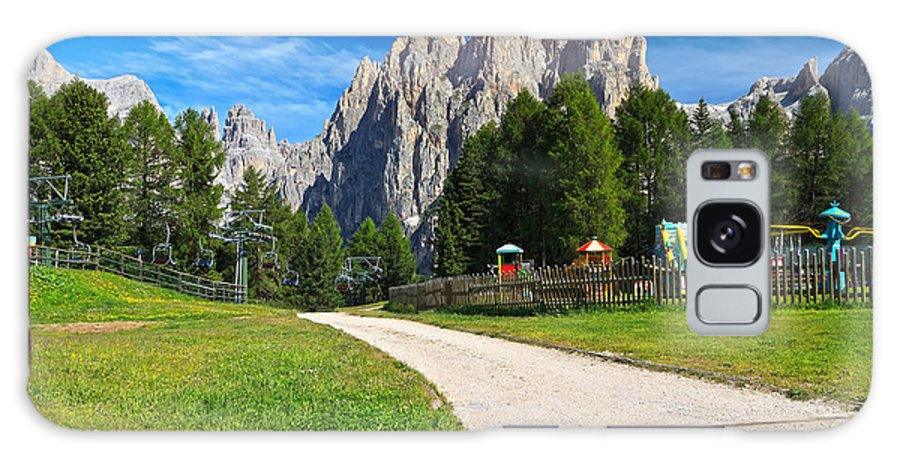 Summer Galaxy S8 Case featuring the photograph Dolomiti - Gardecia With Catinaccio Mount by Antonio Scarpi