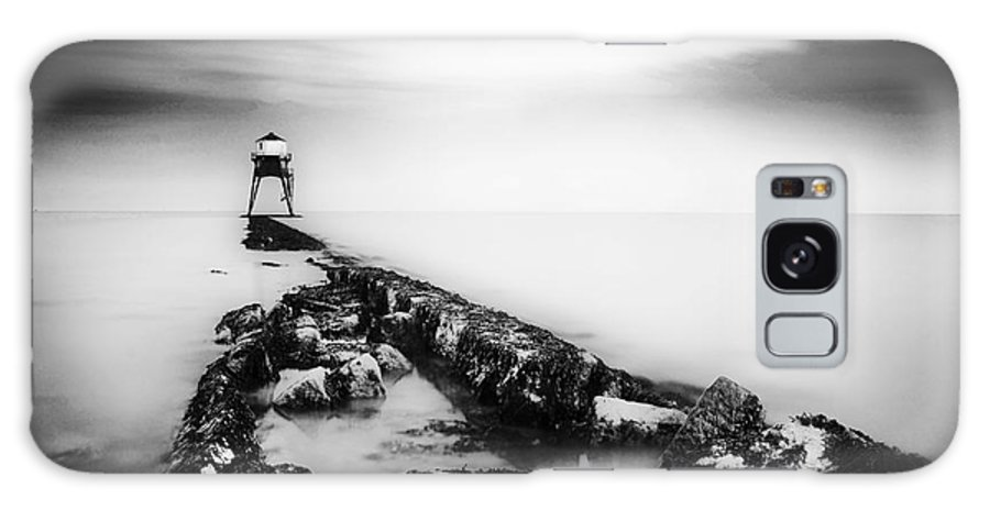 Black And White Galaxy S8 Case featuring the photograph Dovercourt Light House by Malcolm Bumstead