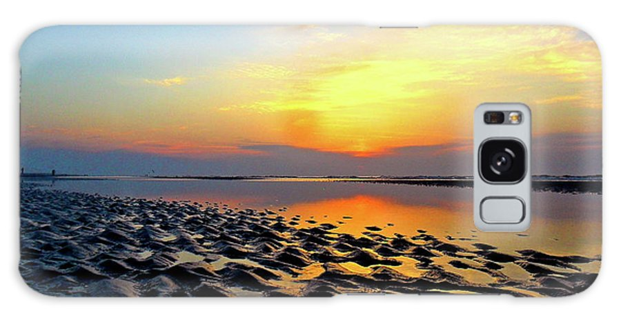 Hilton Head Galaxy S8 Case featuring the photograph Dramatic Dawn by Kimberly Nickoson