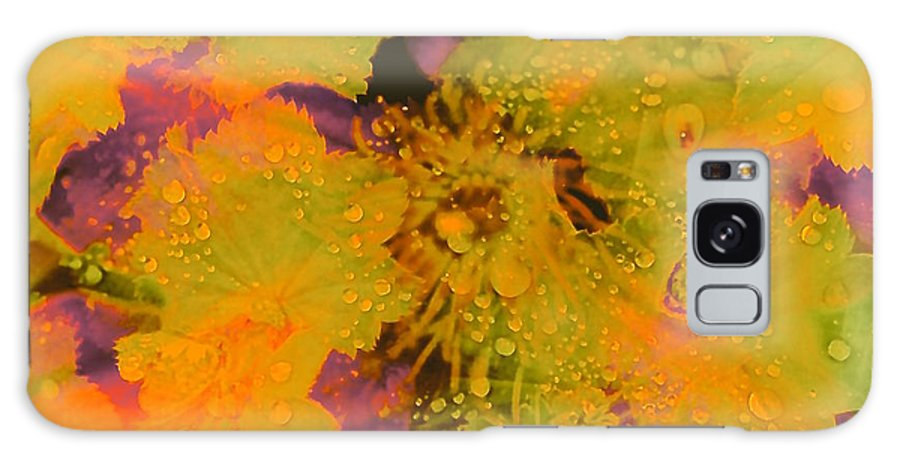Water Bubbles Galaxy S8 Case featuring the photograph Droplets Two by Kasha Baxter