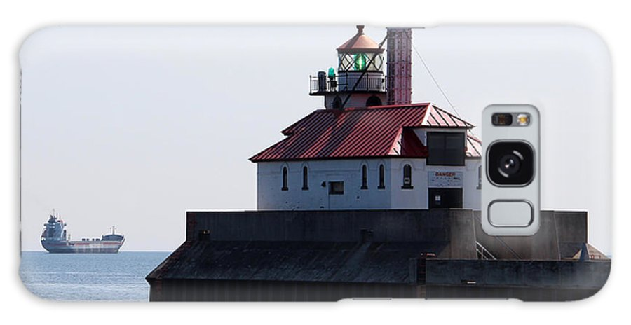 Light Galaxy S8 Case featuring the photograph Duluth Harbor South Breakwater Lighthouse by George Jones