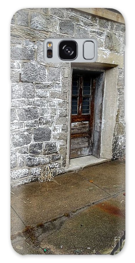 Eastern State Penitentiary Galaxy S8 Case featuring the photograph Eastern State Penitentiary 2 by Heather Jane