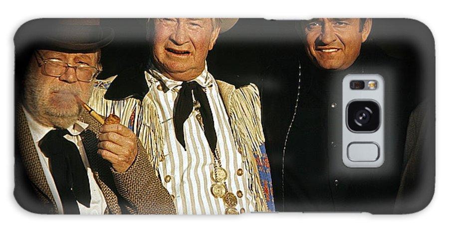 Edgar Buchanan Chills Wills Johnny Cash Porch Old Tucson Az Western Wear Andy Devine Duster Vignetting Galaxy S8 Case featuring the photograph Edgar Buchanan Chills Wills Johnny Cash Porch Old Tucson Arizona 1971-2008 by David Lee Guss