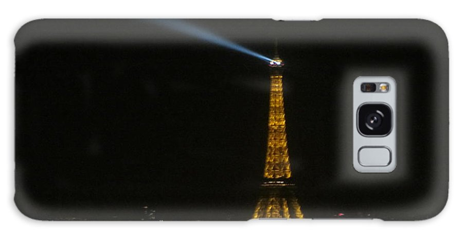 Eiffel Tower Galaxy S8 Case featuring the photograph Eiffel Tower At Night by Rashi Chaturvedi