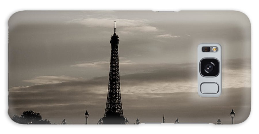 Eiffel Tower Galaxy S8 Case featuring the photograph Eiffel Tower by Lana Enderle
