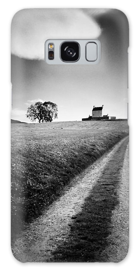Corgarff Castle Galaxy S8 Case featuring the photograph En Route To Corgarff Castle by Dave Bowman