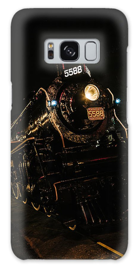 Train Galaxy S8 Case featuring the photograph Engine 5588 by Matthew Thomson
