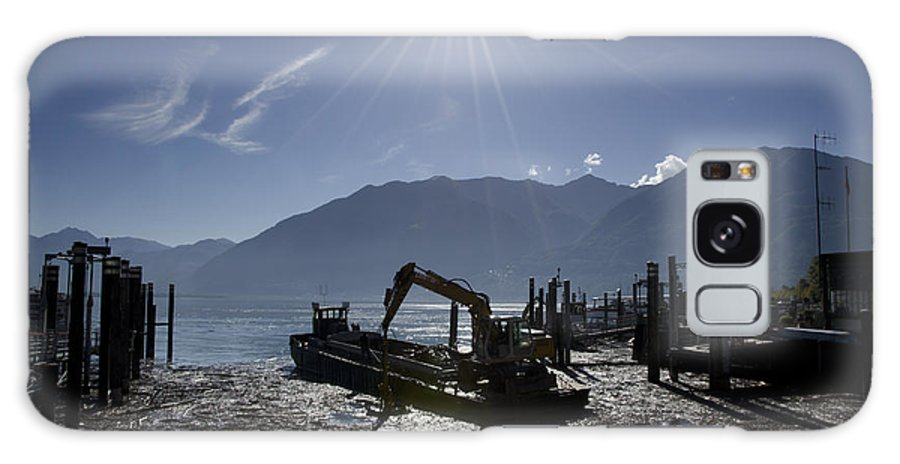 Excavator Galaxy S8 Case featuring the photograph Excavator Clean A Harbor by Mats Silvan