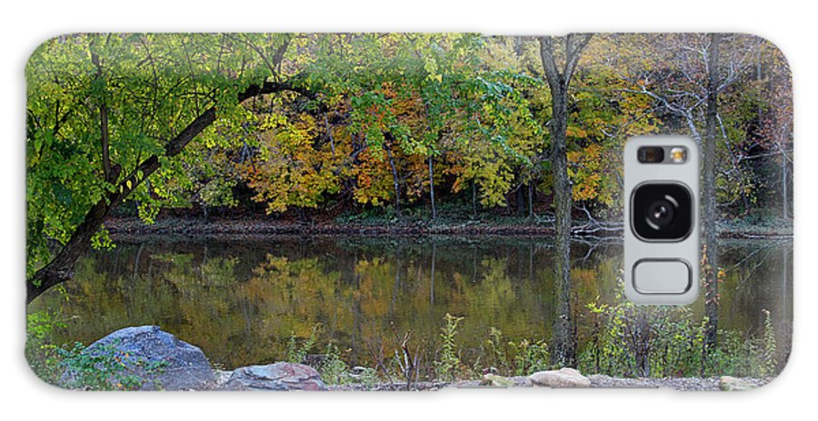 Autumn Galaxy S8 Case featuring the photograph Fall Along The Scioto River by Karen Adams