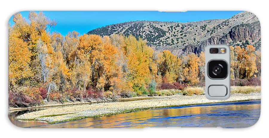Idaho Galaxy S8 Case featuring the photograph Fall On The Snake River by Robert Bales