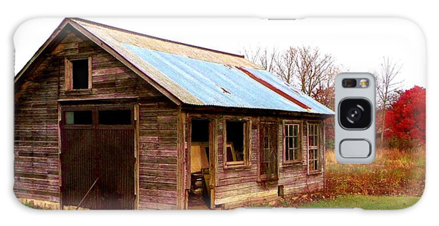 Old Shack Galaxy S8 Case featuring the photograph Fall Shack by Mykul Anjelo