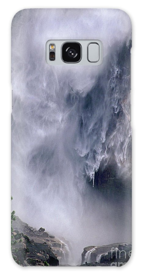 Waterfall Galaxy S8 Case featuring the photograph Falling Water by Kathy McClure