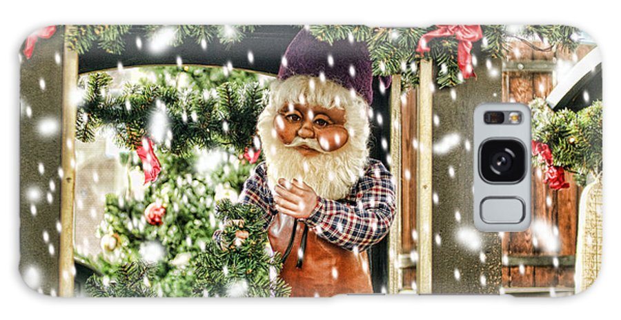 Christmas Galaxy S8 Case featuring the photograph Father Christmas In The Snow by Bridget Jones