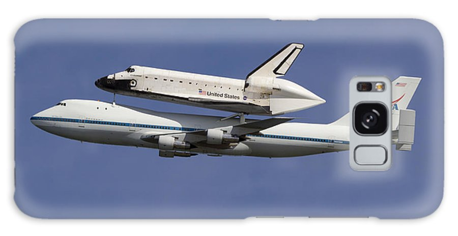 Space Shuttle Galaxy S8 Case featuring the photograph Final Flight Of The Endeavour by Rick Pisio