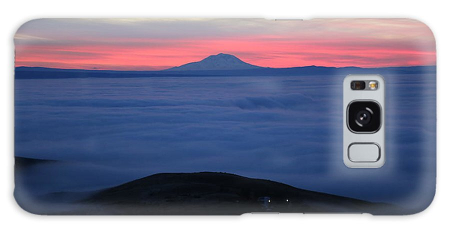 Prosser Galaxy S8 Case featuring the photograph Fog In The Valley by Carol Groenen