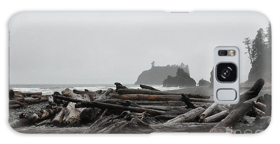 Morning Galaxy S8 Case featuring the photograph Foggy Morning On The Washington Coast 2 by Tanya Searcy