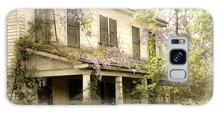 Old House Galaxy S8 Case featuring the photograph Forgotten by Robert Camp