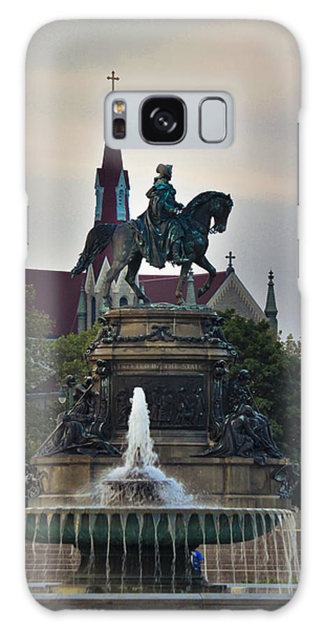 Philadelphia Galaxy S8 Case featuring the mixed media Fountain At Eakins Oval by Trish Tritz