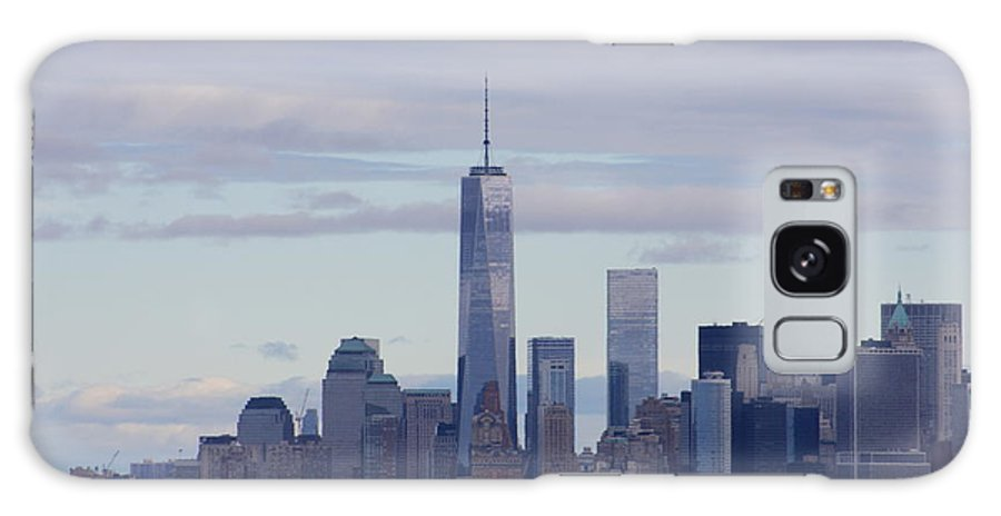 Freedom Tower Galaxy S8 Case featuring the photograph Freedom Tower by Andrew Romer