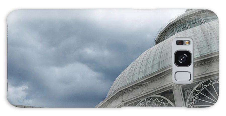 New York Botanical Gardens Conservatory. Glass Conservatory Roof. New York Botanical Gardens. Conservatory With Clouds Galaxy S8 Case featuring the photograph Garden Conservatory by David Klaboe