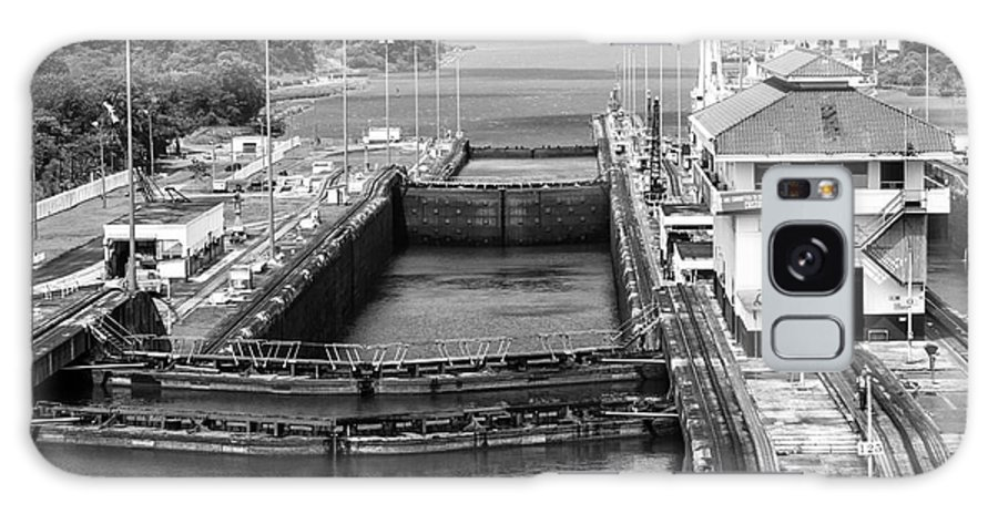 Panama Canal Mules Galaxy S8 Case featuring the photograph Gatun Locks Panama Monochrome by Rene Triay Photography