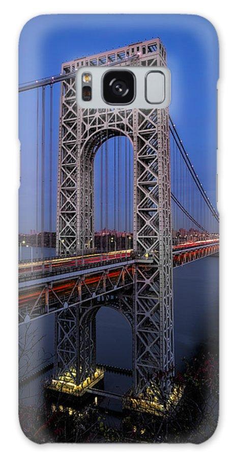George Washington Bridge Galaxy S8 Case featuring the photograph George Washington Bridge At Twilight by Susan Candelario