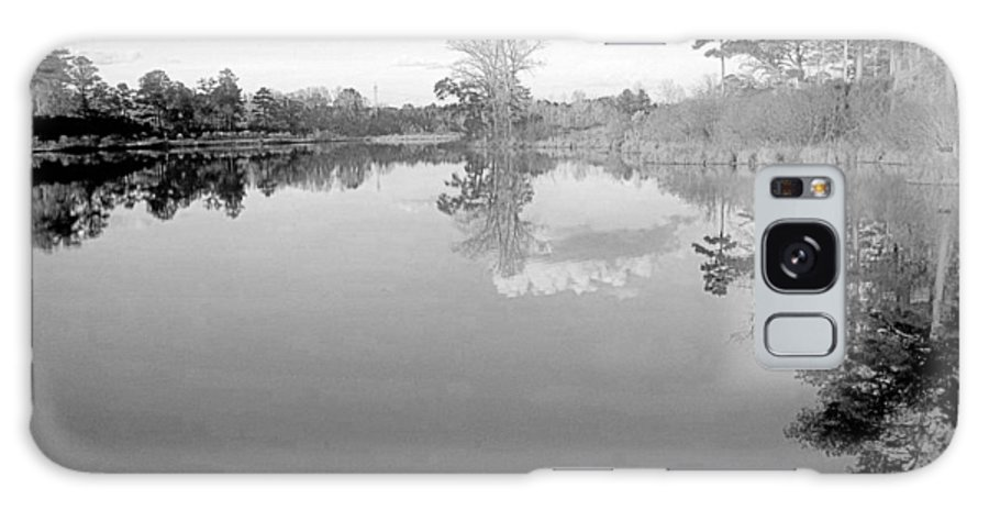 Georgia Galaxy S8 Case featuring the photograph Georgia Lake In Black And White by James Potts