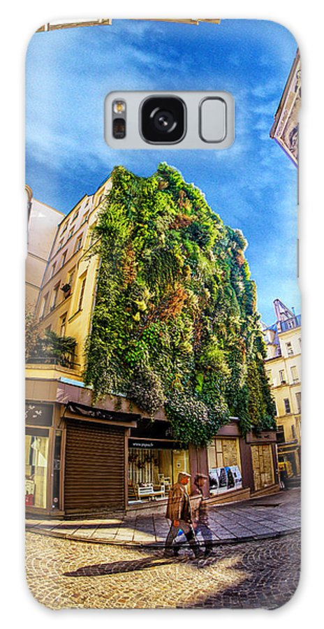 Paris France Vertical Garden Galaxy S8 Case featuring the photograph Getting Ahead Of Himself by Paul Eggermann